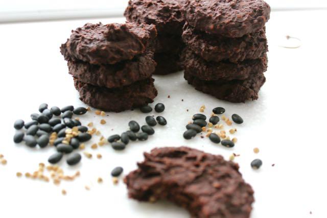 rezept test schoko cookies aus schwarzen bohnen h e a l t h y h a p p y s t e f f i. Black Bedroom Furniture Sets. Home Design Ideas